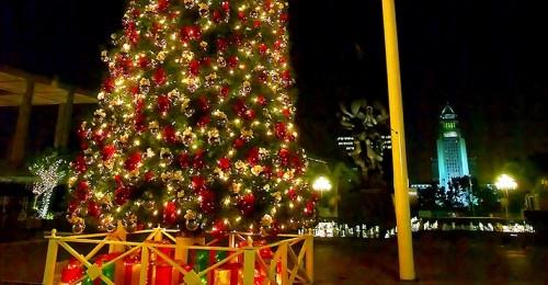 music-center-christmas-tree