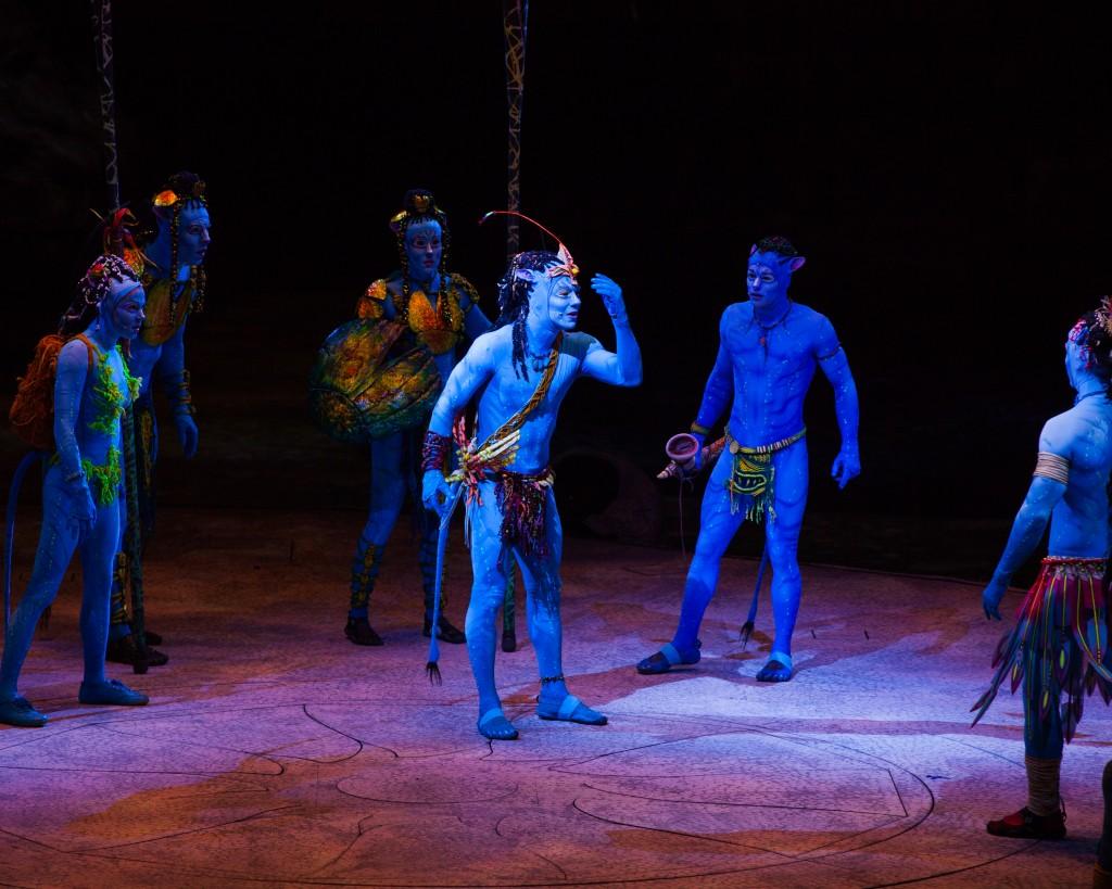 Picture credit : Errisson Lawrence © 2015 Cirque du Soleil Costume credit : Kym Barrett
