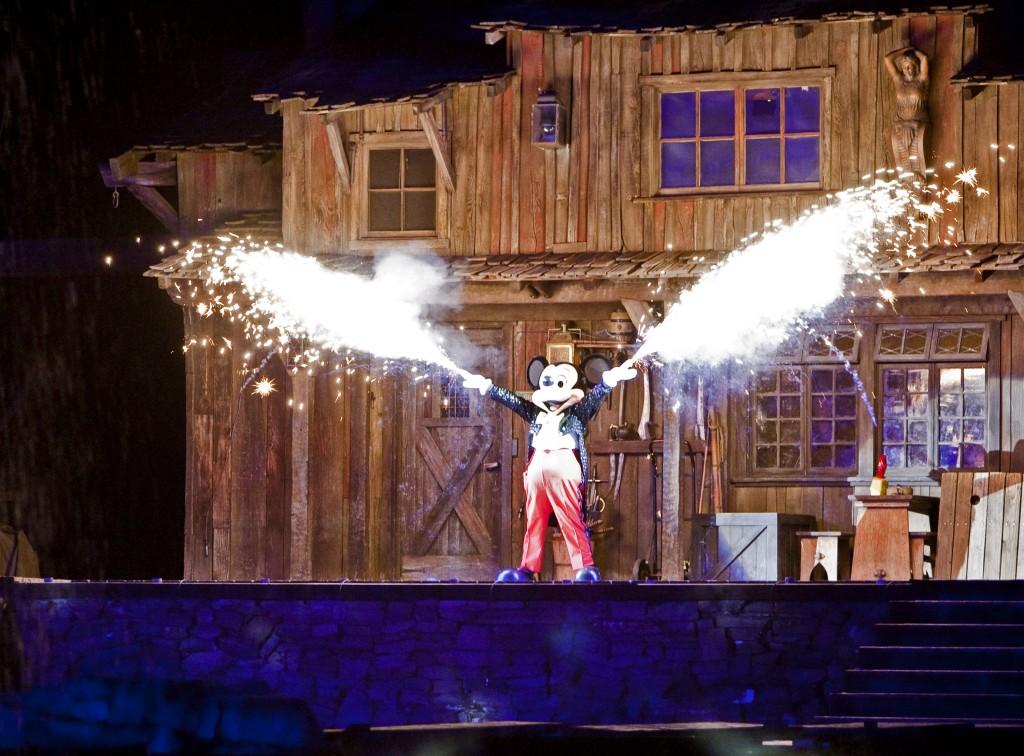 El regreso del show de Fantasmic en Disneyland