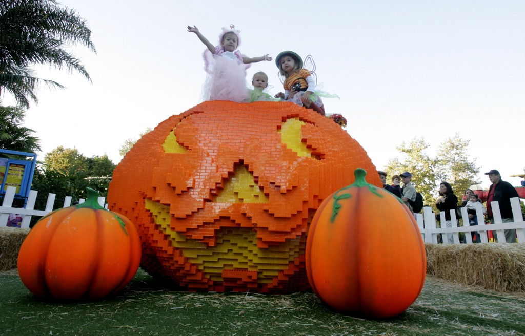 brick-or-treat-event-courtesy-legoland-california