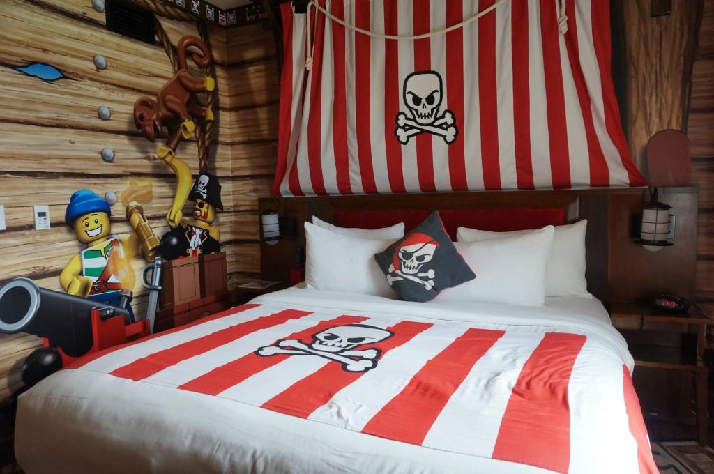cuarto-pirata-en-legoland-ca-hotel