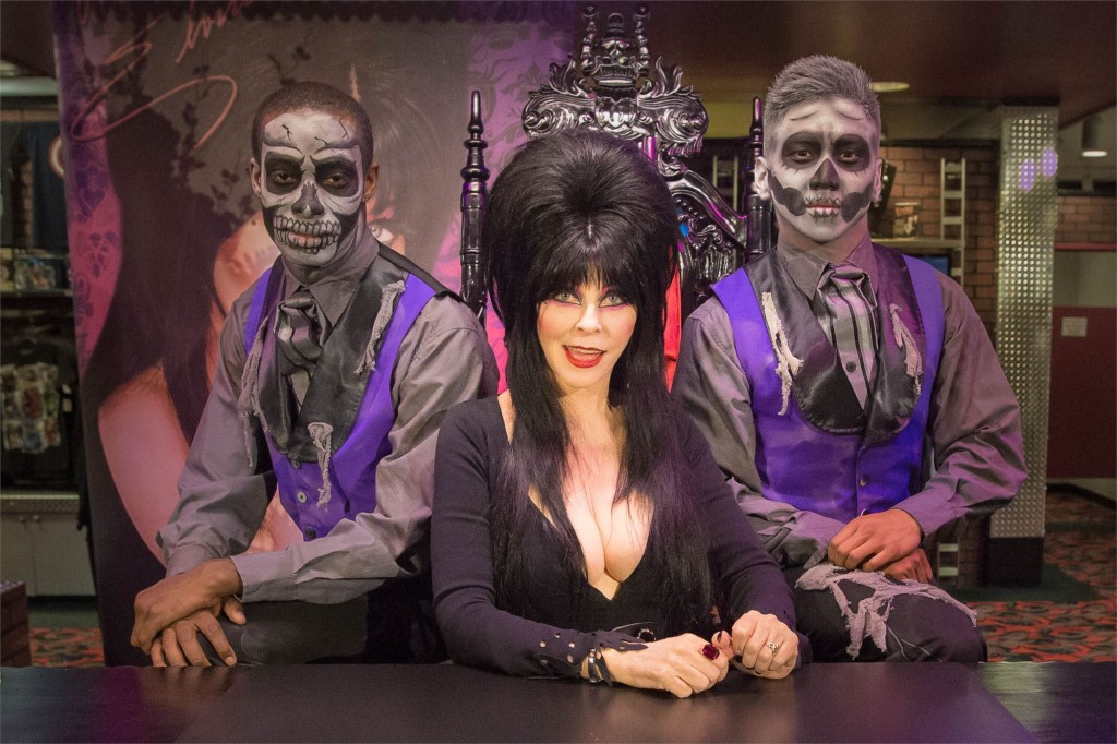 elvira_knotts_scary_farm1