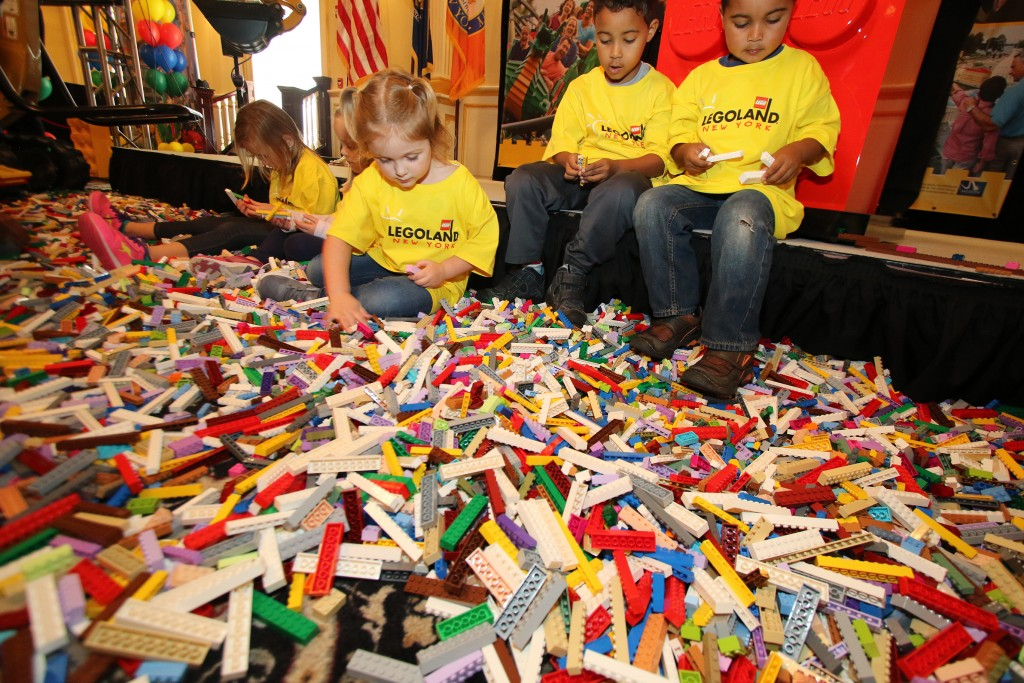 kids-with-lego-bricks