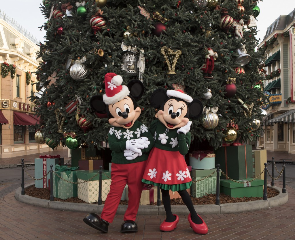 "MICKEY AND MINNIE CELEBRATE THE HOLIDAYS AT THE DISNEYLAND RESORT (ANAHEIM, Calif.) – The Disneyland Resort is a magical place for creating holiday memories with family and friends. Holidays at the Disneyland Resort, Nov. 10, 2017 through Jan.7, 2018, features seasonal offerings that include ""Festival of Holidays"" and ""World of Color–Season of Light,"" plus guest favorites ""it's a small world"" Holiday and Haunted Mansion Holiday. Glistening Christmas trees and beautiful seasonal décor adorn the entire Disneyland Resort, and ""A Christmas Fantasy"" Parade is performed daily at Disneyland park. (Christian Thompson/Disneyland Resort)"