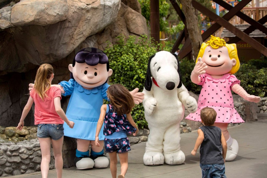 lucy-snoopy-and-sally-with-kids