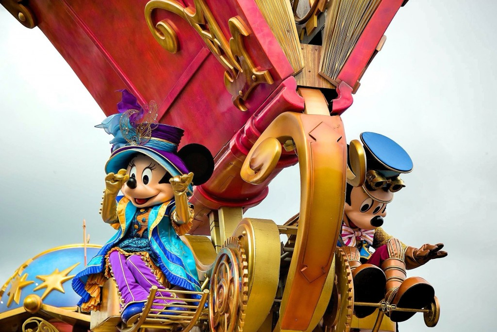 mickey-and-minnie-en-disney-stars-on-parade