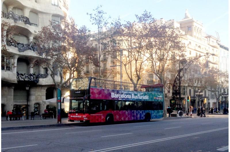 hop-on-hop-off-bus-tour-with-a-doubledecker-bus