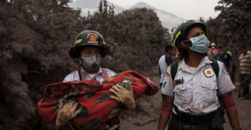 guatemala-volcano-rescue-6-ap-jt-180604_hpembed_3x2_608