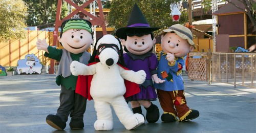 peanuts_gang_halloween_cotumes_knotts_spooky_farm3