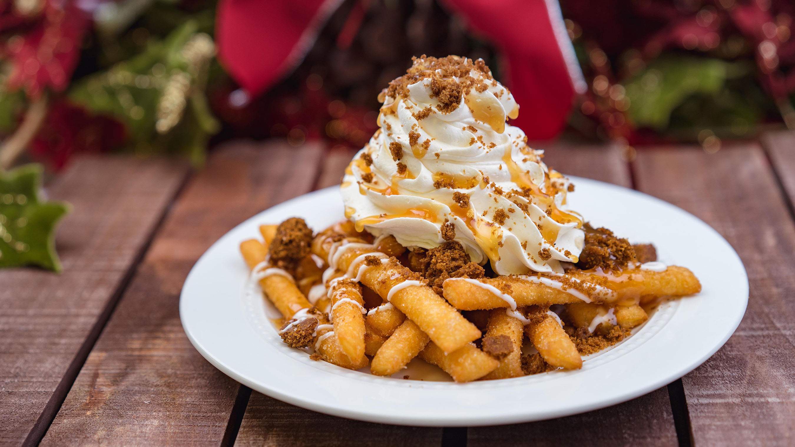 Gingerbread Funnel Cake Fries can be found for a limited time at Award Wieners in Hollywood Land at Disney California Adventure park during Holidays at the Disneyland Resort. It's just one of many specialty food items available throughout the resort during the 2018-2019 holiday season. Disneyland Resort is located in Anaheim, Calif. (Disneyland Resort)