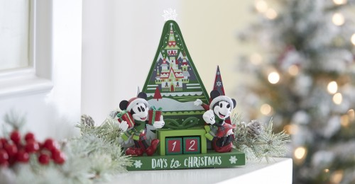 Disney fans will have fun preparing for Christmas Day with Mickey and MinnieÕs countdown calendar, featuring seasonal colors and elements invoking the spirit of Christmas. The calendar can be found throughout Disneyland Resort in California and Walt Disney World Resort in Florida during the 2018 holiday season. (Disney)