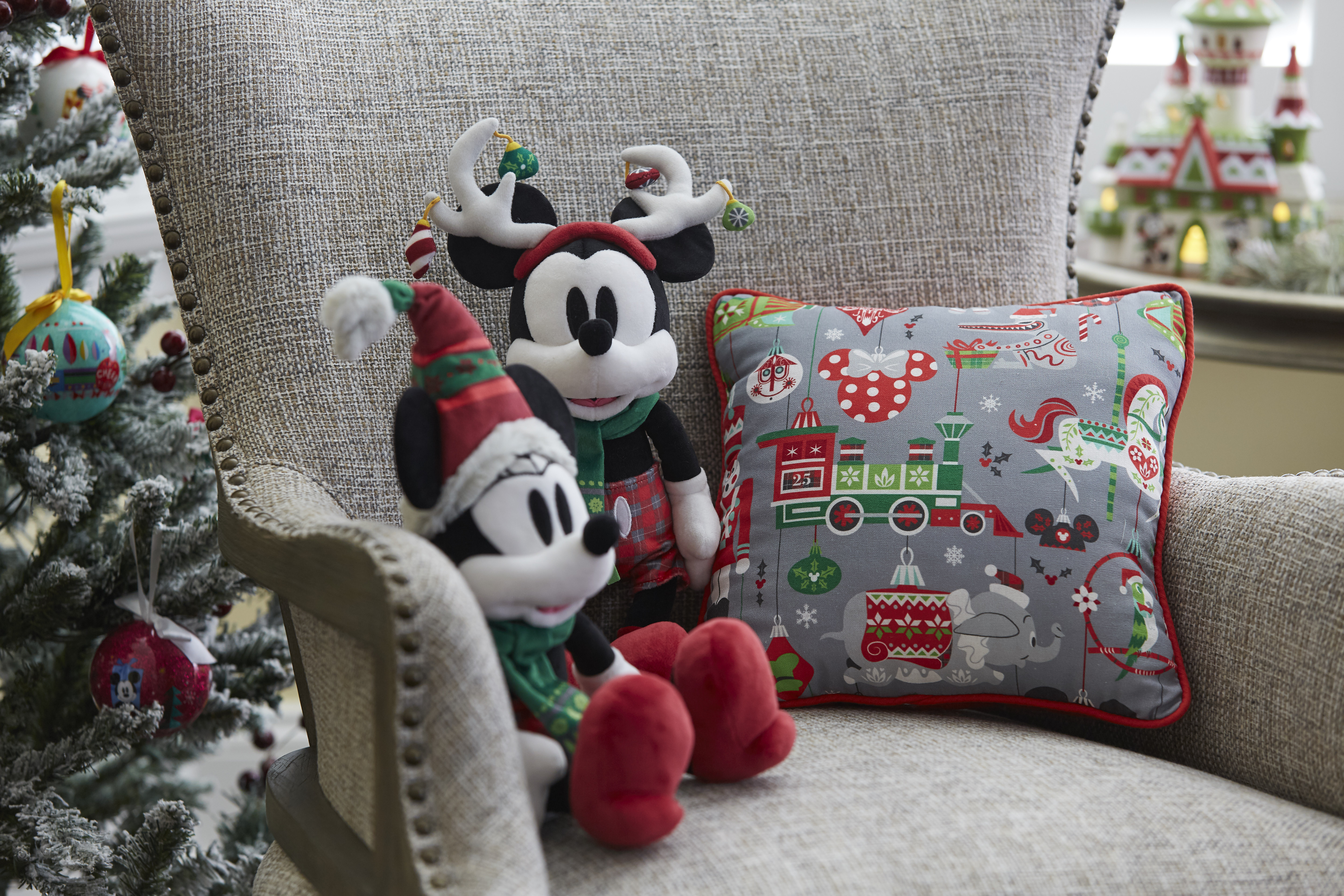 Just in time for the holiday shopping season, Disney Parks present very merry selection of gifts throughout Disneyland Resort in California and Walt Disney World Resort in Florida, including home dŽcor items like festive stockings and pillows. (Disney)