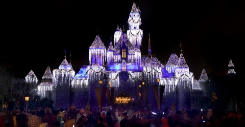 """HOLIDAYS AT THE DISNEYLAND RESORT (ANAHEIM, Calif.) – The Disneyland Resort is a magical place for creating holiday memories with family and friends. Holidays at the Disneyland Resort returns Nov. 9, 2018 through Jan.6, 2019, featuring seasonal offerings that include Sleeping Beauty's Winter Castle, Festival of Holidays, and """"Believe … in Holiday Magic"""" fireworks spectacular, plus guest favorites including """"it's a small world"""" Holiday and Haunted Mansion Holiday. (Paul Hiffmeyer/Disneyland Resort)"""