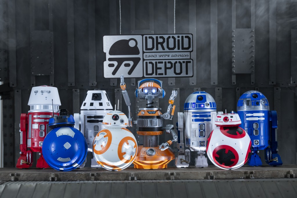 Star Wars: GalaxyÕs Edge Merchandise Ð Custom Droids