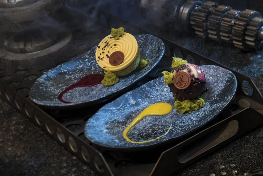 Star Wars: GalaxyÕs Edge Ð Docking Bay 7 Food and Cargo Desserts