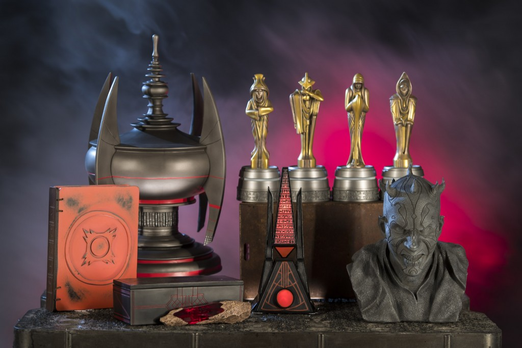 Star Wars: GalaxyÕs Edge Merchandise Ð Relics