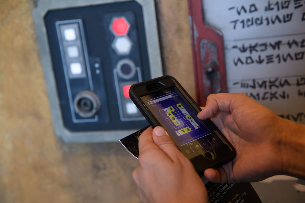 Star Wars: GalaxyÕs Edge Ð Play Disney Parks Mobile App