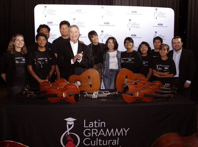 Fundaciones del Latín Grammy y Ford.