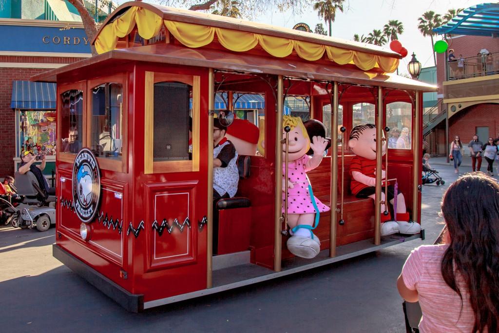 peanuts-celebration-trolley-in-boardwalk-1